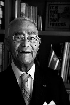 Johan Ferrier (1910-2010), de eerste president van Suriname van 1975-1980.