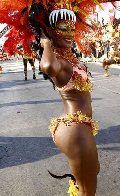 Carnaval de Barranquilla - Colombia Carnival Dancers, Carnival Girl, Brazil Carnival, Trinidad Carnival, Caribbean Carnival, Carnival Costumes, Black Is Beautiful, Gorgeous Women, Colombian People