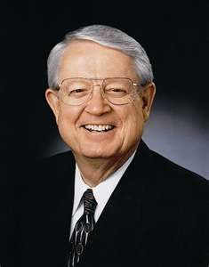 Chuck Swindoll - although the main news channels don't say anything about him, Mr. Swindoll is a well-known, figure, almost a celebrity. And he is one of my favorite preachers.