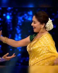 Madhuri Dixit Hot, Hindi Old Songs, Indian Wedding Video, Fashion Illustration Dresses, Best Love Lyrics, Allah Islam, Cute Love Songs, Bridal Mehndi, Heart Quotes