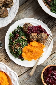 3 Course Vegan and Gluten Free Holiday Menu – Step by step!•  Pumpkin Pie with Pecan Oat Crust (this pie needs to sit in the fridge overnight to set) •Cranberry Pear Sauce •Lentil Walnut Balls (prepare, but do not cook until the day of your meal)