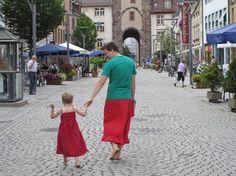 Ein Bild und seine Geschichte: Mit Papa im Rock einmal um die Welt - SPIEGEL ONLINE