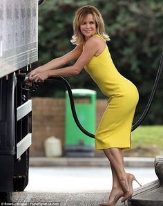 Lovely in yellow: Amanda Holden launches her autobiography by delivering her own books in a lorry to Waterstones in Bluewater, Kent Amanda Holden, Britain's Got Talent, Tv Girls, Tv Presenters, Amanda Seyfried, Famous Women, Mode Style, Beautiful Celebrities, Yellow Dress