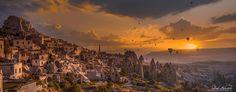 Uçhisar'ın güzelliği bir de güneş ile ışıldayınca böyle renkli bir kare çıktı ortaya…   Yer: Nevşehir   Fotoğraf: Zeki Seferoğlu