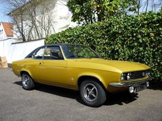 Opel Manta 'A' from the early Lots of design cues from American muscle cars. My dad had an Ascona that was this exact colour. Retro Cars, Vintage Cars, Barbour Motorcycle Jacket, Reliable Cars, Small Cars, American Muscle Cars, Buick, Motor Car, Classic Cars