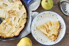 Pear Dutch Baby Puff Pancake, German Pancakes, Iron Skillet Recipes, Fall Dishes, Apple Pear, Breakfast Muffins, Muffin Recipes, Brunch, Cooking