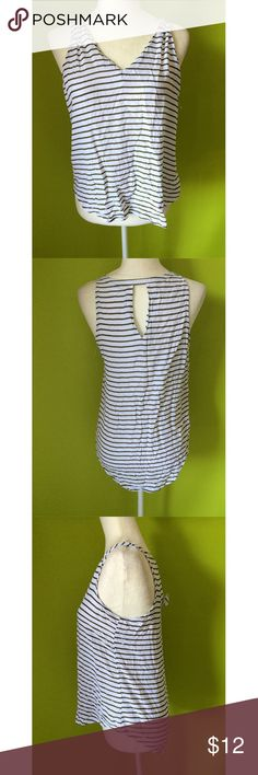 """Old Navy Peep Hole Long Back Cami Striped Top SP B355  Top  Bust - 38"""" Length - front -22.5"""", back-25""""  Old Navy Sleeveless V Neck Peep Hole Back Long Back  Cami Striped Blue White Top Petite Size SP  Free shipping on orders over $75 Old Navy Tops Camisoles"""