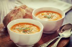 Karottensuppe #carrots #soup #lidlösterreich #bread #hot #warm #summer #enjoy #mhmm #yummy #rotd #healthy #easy #quick #curry #onion #oil