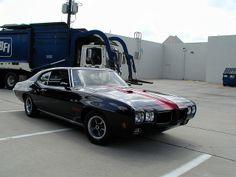 1970 Pontiac GTO driven by Josh Hartnett in the 1998 Sci-fi movie The Faculty.