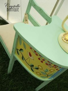 Minty Gossip Bench @ Crystelle Boutique. This would look so cute in Evie's room!