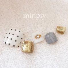 Pedicure♡ #pedicure #dotsnails #gelnails #nail #nailart #ペディキュア #ジェルネイル #ドットネイル #minpiy