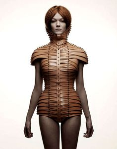 Chic Restrictive Fashion – Designer Una Burke Has Created Stunning Constrictive Clothing (TrendHunter.com) | The Snob Blog By Shapesh1fter
