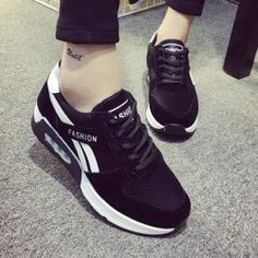 SHARE & Get it FREE | Leisure Women's Athletic Shoes With Color Block and Lace-Up DesignFor Fashion Lovers only:80,000+ Items • New Arrivals Daily • Affordable Casual to Chic for Every Occasion Join Sammydress: Get YOUR $50 NOW!