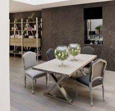 Столовая в современном стиле, использовалась мебель из французского бутика Du Bout Du Monde