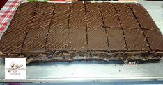 Rumos-csokis szelet   Csokoládé-királynő szelet    Csokis diós liszt nélkü                              Csoda csokiszelet   Csok... Lidl, Dessert Recipes, Desserts, Bread, Heavenly, Foods, Cakes, Xmas, Romanian Recipes