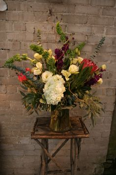 Great bouquet using Hydrangea and protea