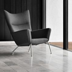 The Wegner Wing Chair was born in 1960 with a simple sketch by Danish design legend Hans J. Now, Carl Hansen & Son has dusted off the drawings to bring this contemporary classic back to life. Cheap Chairs, Chairs For Sale, Cool Chairs, Side Chairs, Accent Chairs For Living Room, My Living Room, Small Living, Home Furniture, Furniture Design