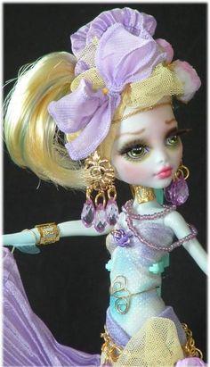 Monster high REPAINT OOAK CUSTOM Monster HIGH Lagoona Gypsy doll by CINDY