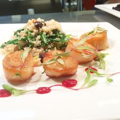 #searedscallops with baby #arugula #quinoa #walnuts and #driedcherries and a #raspberry #coulis and #basil #oil #drizzle #foodporn #food #foodart #foodlover #microgreens #foodizart by food_iz_art