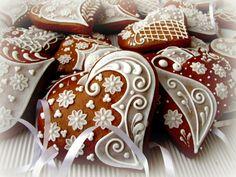 romantická srdíčka Heart Shaped Cookies, Tea Cookies, Cookie Box, Royal Icing, Cookie Decorating, Christmas Cookies, Heart Shapes, Gingerbread, Biscuits