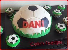 Voetbal taart.. Soccer Ball, Cupcakes, Kids, Toddlers, Boys, Soccer, Cupcake, Cup Cakes, Kid
