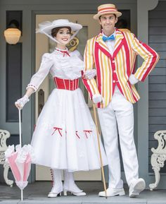 Mary poppins and bett Mary Poppins And Bert Costume, Mary Poppins Halloween Costume, Mary Poppins Musical, Bert Mary Poppins, Up Costumes, Family Costumes, Couple Halloween Costumes, Cosplay Costumes, Costume Hire