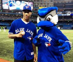 The Toronto Raptors' DeMar DeRozan Throws First Pitch at New York Yankees-Toronto Blue Jays Game (Picture)