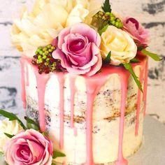 bolos-de-casamento-2017-confira-tendencias-para-todos-os-estilos-47