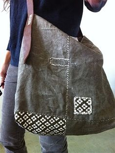 this bag, patched - rizom designs Clutch, Tote Purse, Tote Bags, Mode Style, Style Me, Creation Couture, Denim Bag, Fabric Bags, Big Bags