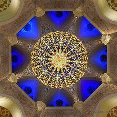 Sheikh Zayed Mosque - Abu Dhabi « Islamic Arts and Architecture Religious Architecture, Beautiful Architecture, Art And Architecture, Islamic World, Islamic Art, Islamic Society, Grand Mosque, Place Of Worship, Islamic Calligraphy