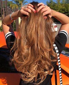 Butterscotch Hair Color, Hair Color Caramel, Caramel Hair Honey, Catherine Paiz, Honey Brown Hair, Light Brown Hair, Brunette Hair Cuts, Hair Color Balayage, Colorful Hair