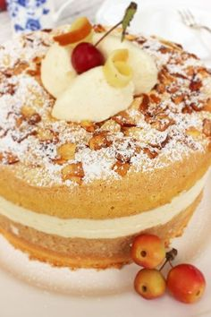 Quitten-Apfel-Torte Vegan Desserts, Just Desserts, Delicious Desserts, All You Need Is, Quince Fruit, Vegan Challenge, Vegan Curry, Sweet Bakery, Vegan Meal Prep