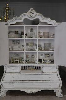 la casa di lu .......This armoire is 1:12 scale & it's contents 1:48