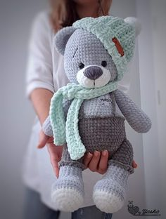 Crochet Baby Toys, Crochet Teddy, Knit Or Crochet, Cute Crochet, Crochet Crafts, Crochet Dolls, Baby Knitting, Crochet Projects, Crochet Bunny Pattern