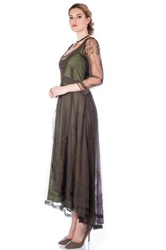 Downton Abbey Tea Party Gown in Emerald by Nataya. Beautiful vintage-inspired dresses. Fast worldwide delivery. Click or call 323-592-9172 for more info. 20s Fashion, Fashion History, Fashion Dresses, Fashion Ideas, Mother Of The Bride Dresses Vintage, Vintage Inspired Dresses, Titanic Dress, Flapper Style, Tea Length Dresses