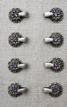 8 Miederhaken, Trachtenverschlüsse, Dirndlöse, altsilber, Metall, m. Strass rosa Bodice, Diamond Earrings, Brooch, Ebay, Hooks, Pink, Crafts, Jewelry, Dirndl