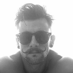 Handlebar Mustache and Goatee - Best Goatee Beard Styles For Men: How To Get Men's Goatee Styles, Types, and Shapes Mustache And Goatee, Goatee Beard, Handlebar Mustache, Men Beard, Hipster Haircuts For Men, Hipster Hairstyles, Men Hairstyles, Goatee Styles, Beard Styles For Men