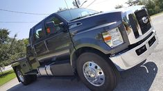 Custom Truck Beds, Custom Trucks, Ford Work Trucks, Flatbed Truck Beds, Ford F650, Truck Flatbeds, Types Of Packaging, Ford F Series, Old Fords
