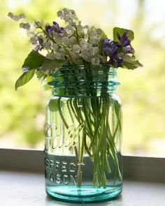 I'm in heaven right now because Spring brings my fav blooms - Lilly of the Valley. The house is infused with their exquisite scent! . . #lillyofthevalley #spring #springtime #springflowers #scent #heavenlyscent #heavenscent #heady #smellsofspring #flowers #flowerarrangement #flowerarrangement #flowerarrangements #balljar #balljars #blueglass
