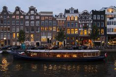 Amsterdam is an alternative city compared to many other European capitals. But what if you want to see the more alternative side of an already alternative city? If you've checked off all of your travel guide's recommendations and are at a loss what-to-do-next, follow this list for more less-known and alternative things to do in Amsterdam. Amste...