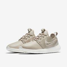 Nike W Roshe Two SI OatmealIvoryMetallic Silver Worldwide