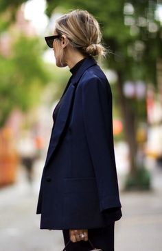 pure fashion | INSPIRATION | Blusa azul, Combinar blusa azul