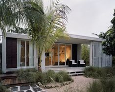 See the Super-Cute (and Super Affordable!) Prefab Beach House That Survived Hurricane Irma Without a Scratch See the Super-Cute (and Super Affordable!) Prefab Beach House That Survived Hurricane Irma Without a Scratch Cheap Prefab Homes, Affordable Prefab Homes, Prefab Modular Homes, Modular Housing, Prefab Cabins, Prefabricated Houses, Prefab Homes Florida, Hurricane Proof House, Modular Home Designs