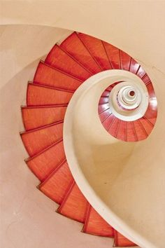 ALOHOMORA / (spiral staircase,photography,pathway,stairs,architecture,design,home,interiors,photo)