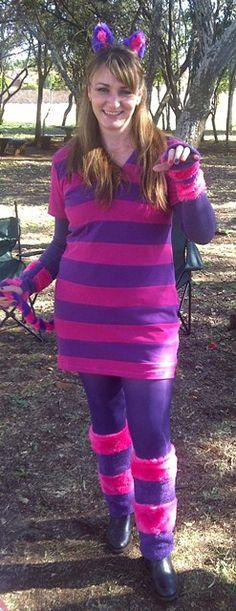 Cheshire Cat this one. Cheshire Cat Halloween, Cheshire Cat Costume, Disney Halloween, Halloween Outfits, Halloween Party, Halloween Costumes, Halloween Alice In Wonderland, Cheshire Cat Alice In Wonderland, Wonderland Costumes