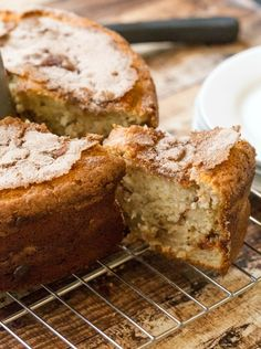 Banana Cinnamon Swirl Coffee Cake is an easy recipe for a moist breakfast cake. This is a a great alternative to banana bread for using ripe bananas. Brunch Cake, Breakfast Cake, Breakfast Ideas, Pie Dessert, Dessert Recipes, Cake Recipes, Just Desserts, Delicious Desserts, Banana Coffee Cakes