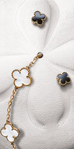 Classic Van Cleef and Arpels