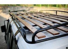 Love the look of this roof rack. Best style, economical, useful. Van Roof Racks, Truck Roof Rack, Jeep Xj Roof Rack, Iveco 4x4, Iveco Daily 4x4, Offroad, Vw Caddy Mk1, Kombi Motorhome, Campervan