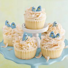 Instead of vanilla cake, my plan for Easter is carrot cake with cream cheese frosting. I love the Jordan Almond birds! Adorable!