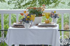 FALL-TABLESCAPE-ON-THE-BACK-PORCH-table-for-two-stonegableblog.com_1.jpg (900×596)